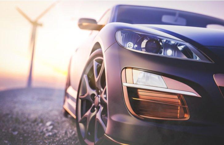 Nové auto vs. ojazdené auto - čo sa viac oplatí kúpiť?