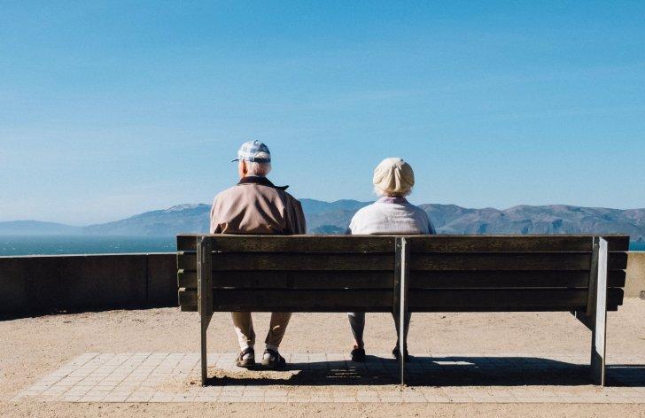 Nespravedlivé podmínky důchodu – krácení, výše příjmu
