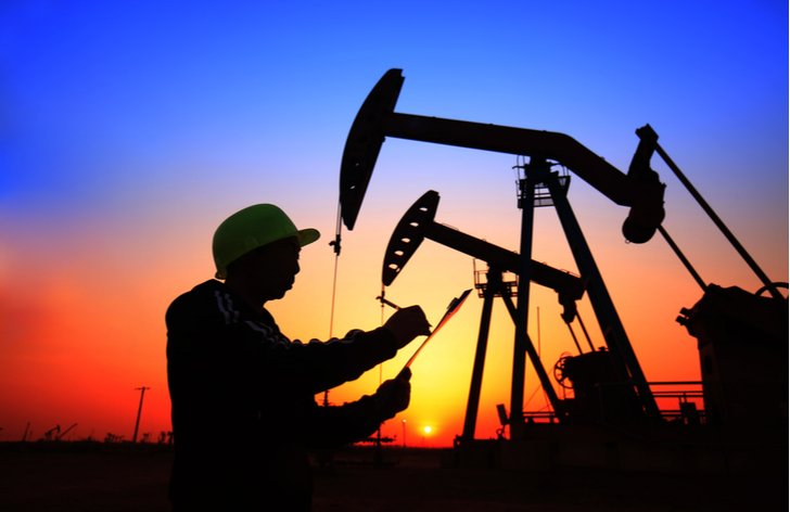 Komentár: Ropa je v neistote. Ťažba klesá, počet prípadov COVID-19 rastie