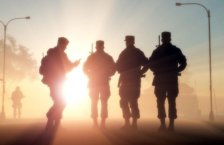Výsluhový příspěvek pro vojáky: kdy náleží, výše