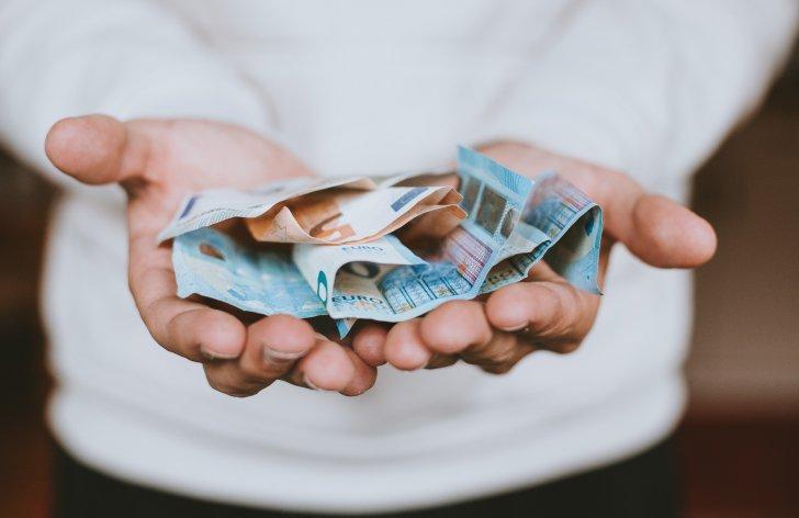 Pôžička bez papierovania je nebezpečie pre obe strany