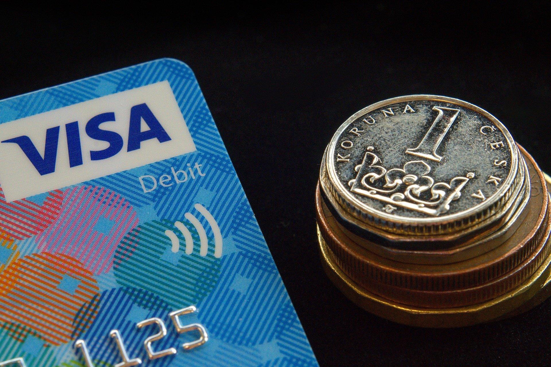 8 vecí, ktoré by ste mali vedieť o platbe kartou v zahraničí