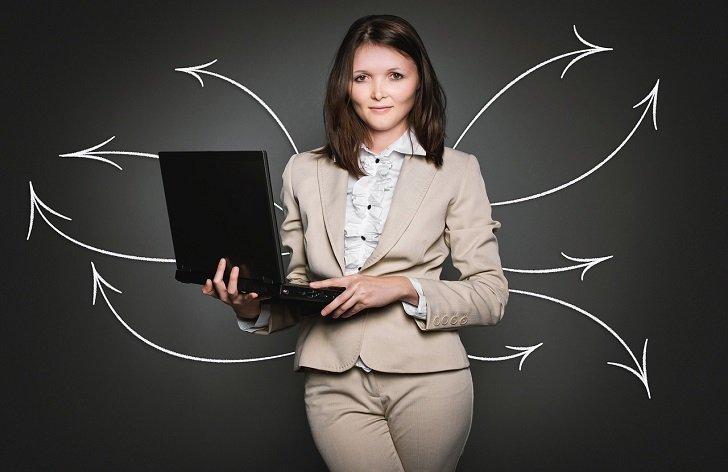 Termíny daňového přiznání 2021: elektronicky, s poradcem