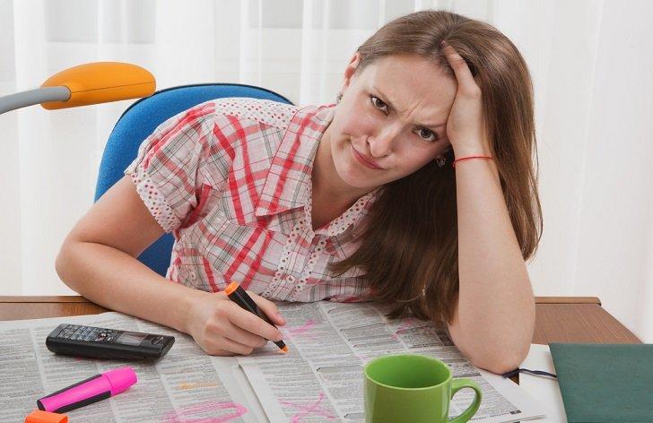 Nekolidující zaměstnání: jak a kolik si přivydělat na ÚP