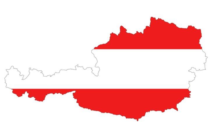 Rakúske diaľničné známky v roku 2021 mierne zdražejú. Všimnú si to tí, čo kupujú ročné