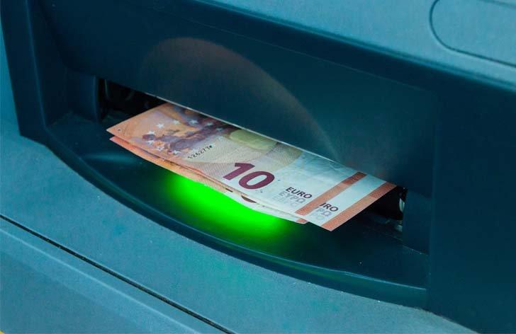 Vklad peňazí cez bankomat  koľko to stojí a ktoré banky to umožňujú 269b328f558