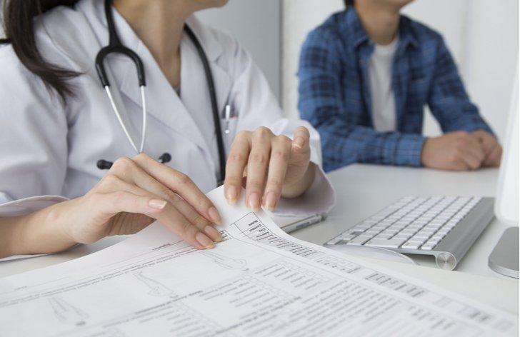 Invalidní důchod a zdravotní pojištění: kdo a jak platí
