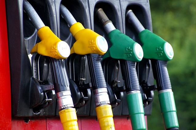 Ceny nafty a benzínu 2017