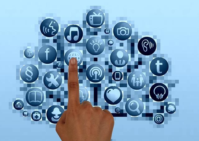 Jaké FinTech aplikace se vám v telefonu vyplatí