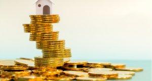 Lidé si na bydlení půjčují čím dál víc