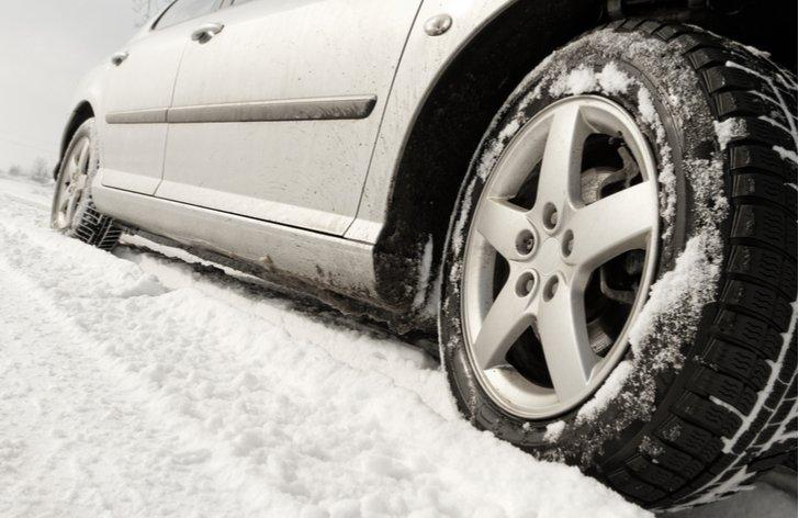 Kedy je potrebné prezuť na zimné pneumatiky