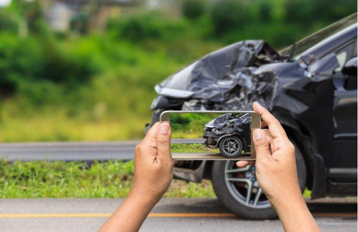 Ako postupovat pri dopravnej nehode na parkovisku