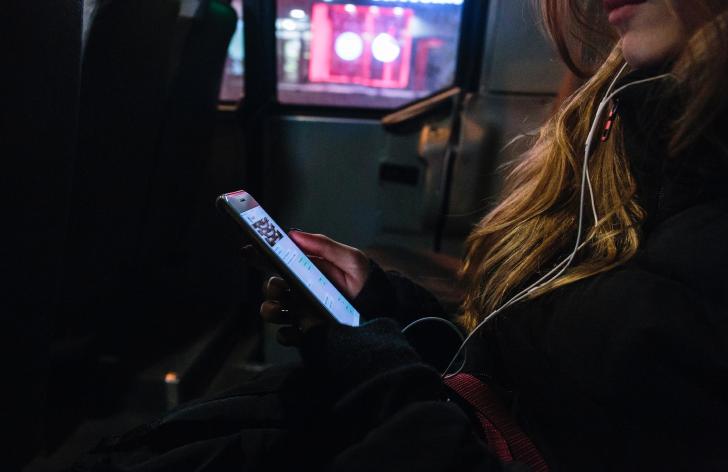 ako si kúpiť lístok na autobus cez sms správu návod