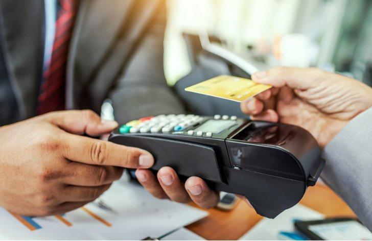 Na čo si dať pozor pri bezkontaktnej alebo on-line platbe