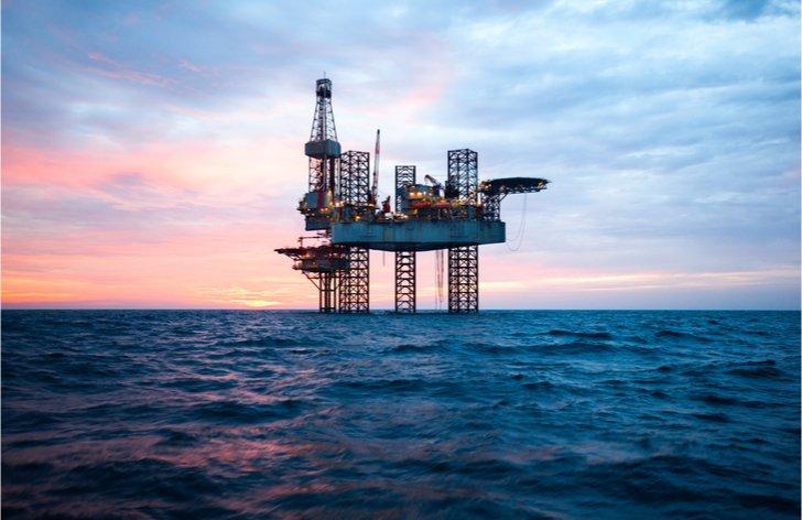 Komentár: Tlak na ceny ropy sa stupňuje