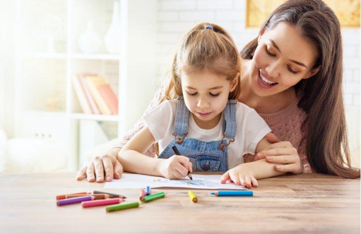 Rodičovská dovolená u nás a ve světě - délka, výše příspěvku