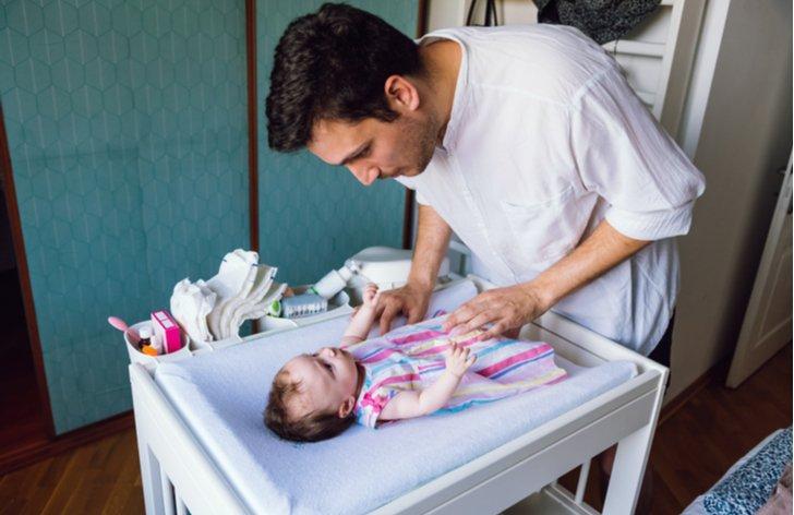 Otec na mateřské dovolené 2019 - žádost, výše, pojištění