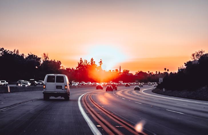 ktoré autá môžu jazdiť po diaľnici bez diaľničnej známky?