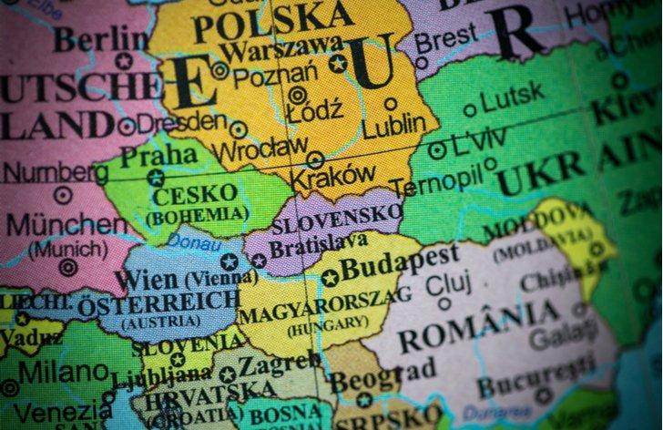 KVÍZ: Aké sú ceny diaľničných známok u nás a v zahraničí?