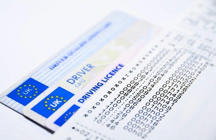 Jak vyřídit novou občanku, řidičák, platební kartu, EHIC