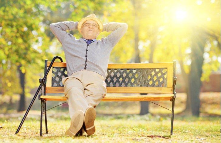 Jak spořit v důchodu - penzijní připojištění, stavební spoření