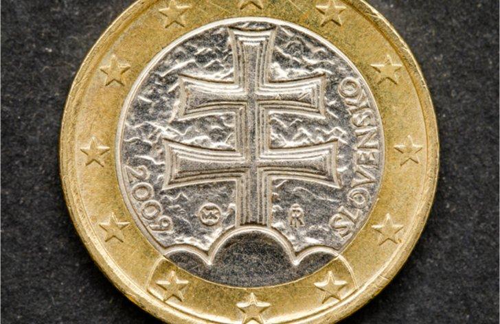 Komentár: Euro na Slovensku oslavuje 10 rokov