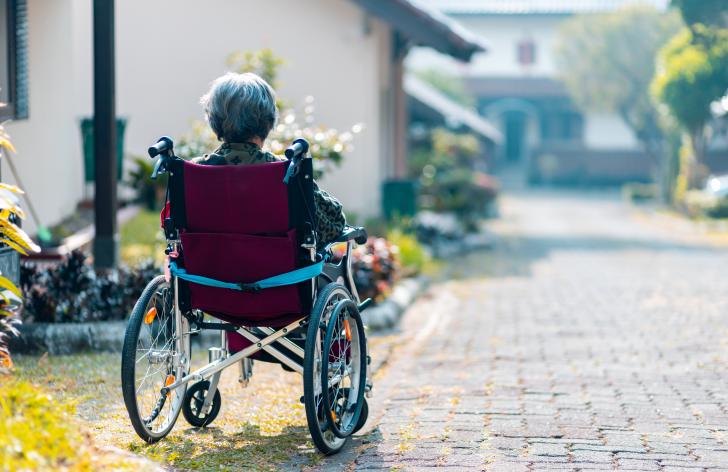 ako požiadať o príspevok na invalidný vozík