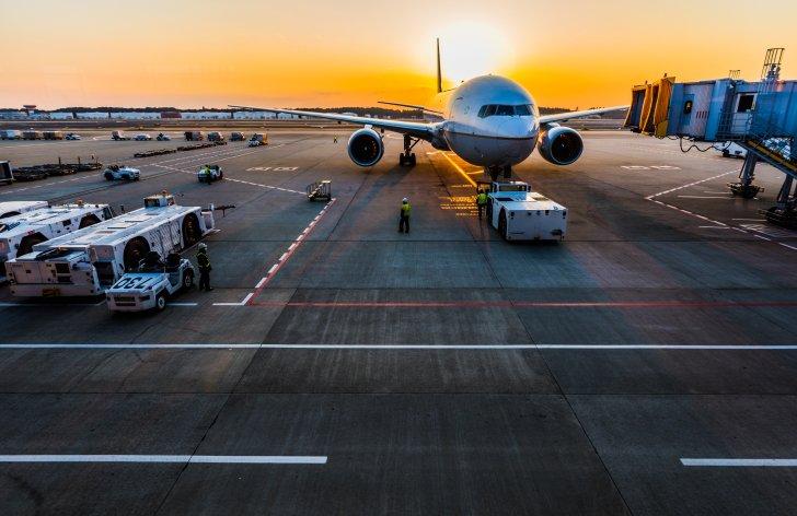 ako sa výhodne dostať na letisko v budapešti