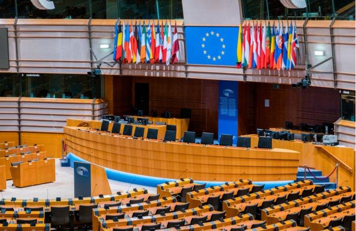 Ako sa volia europoslanci (rozdelenie mandátov po voľbách)