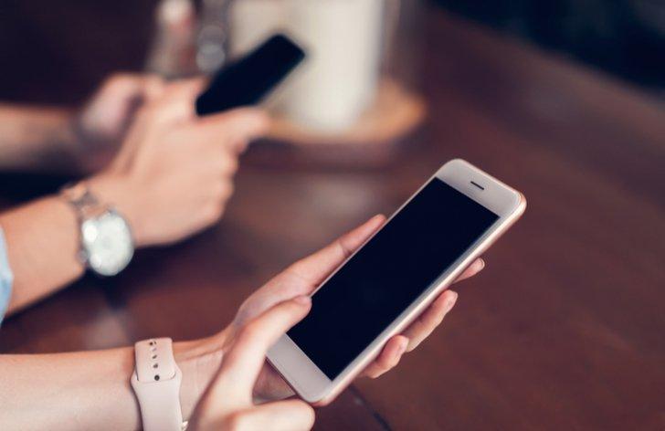 Mobilní tarify pro důchodce a předplacené karty 2019 srovnání cen
