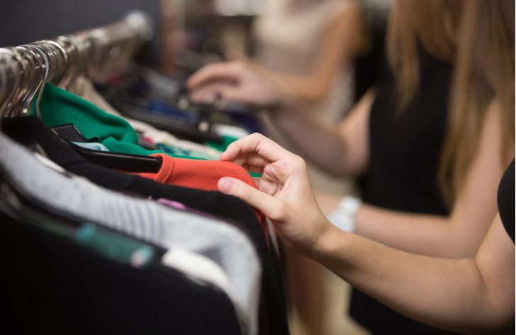 Jak ušetřit při nakupování oblečení