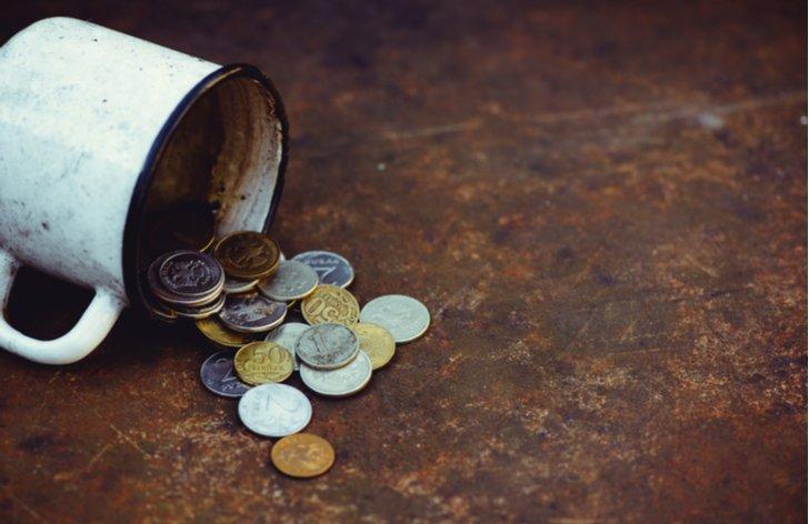 Dávky hmotné nouze: nárok na příspěvek na živobytí – částka 2021
