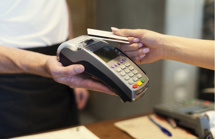 Cash Advance - poplatky za platbu kartou