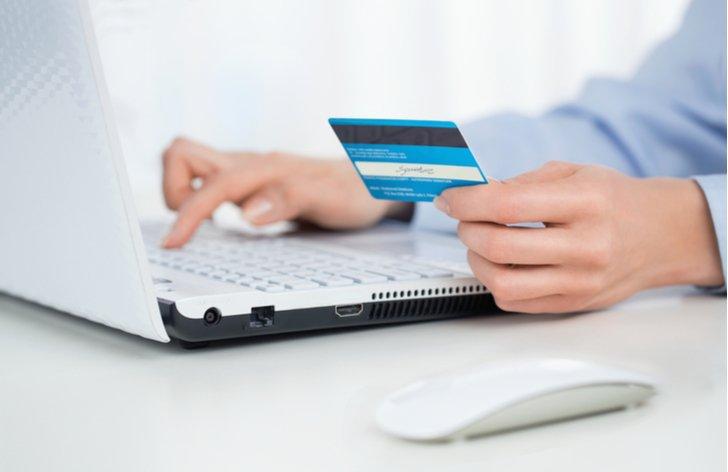 pravidla ako usetrit na vedeni bankoveho uctu