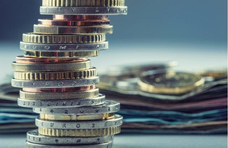 Co ovlivňuje kurz eura a koruny