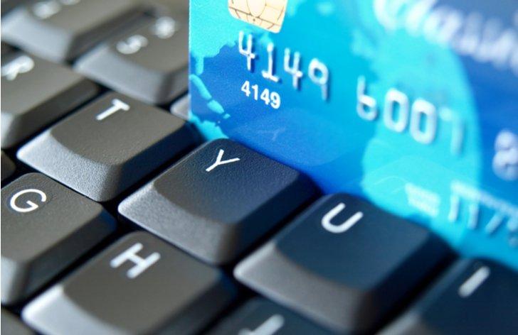 Placení online kartou a odměna bank