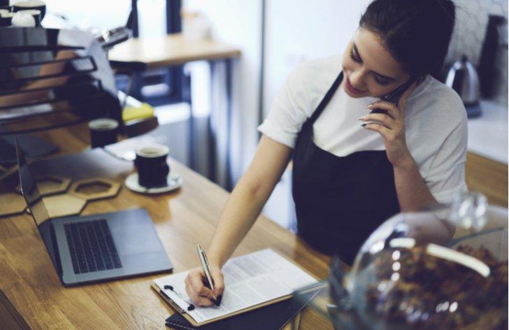Zaměstnávání mladistvých do 18 let: pracovní doba, podmínky