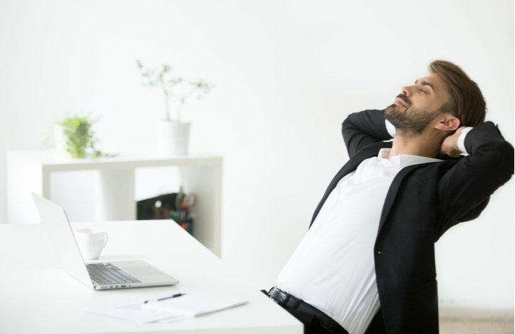 Placené přestávky  – pauza na oběd, bezpečnostní přestávky