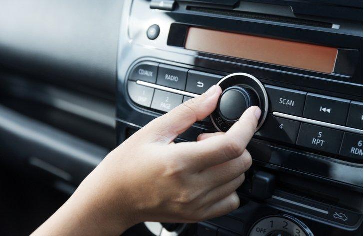 Vypnout či nevypnout radio?