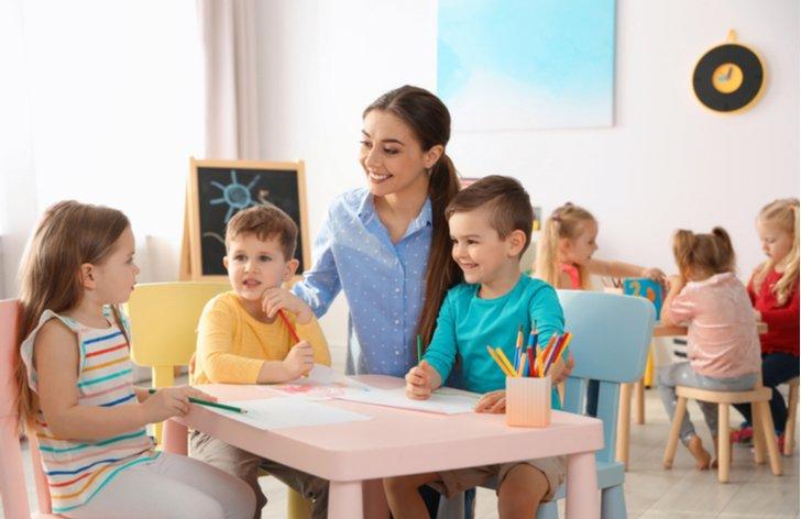 Můžete dát dítě do jeslí či školky?