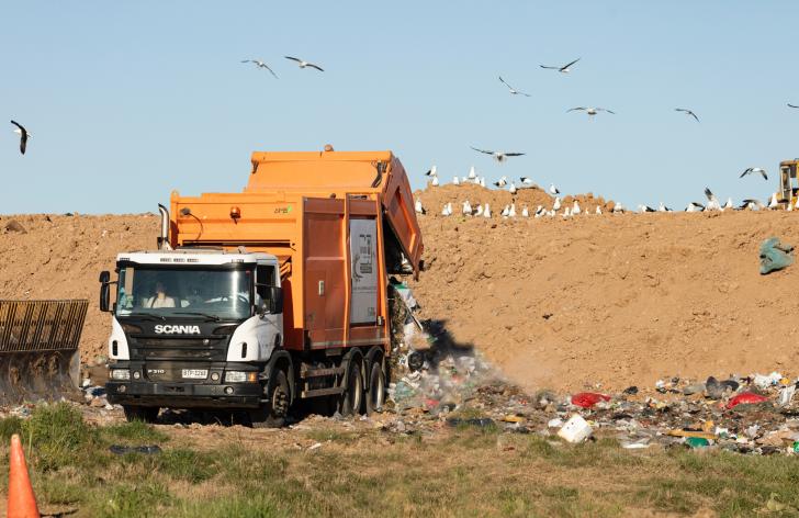 aké platy majú smetiari a závozníci na Slovensku?