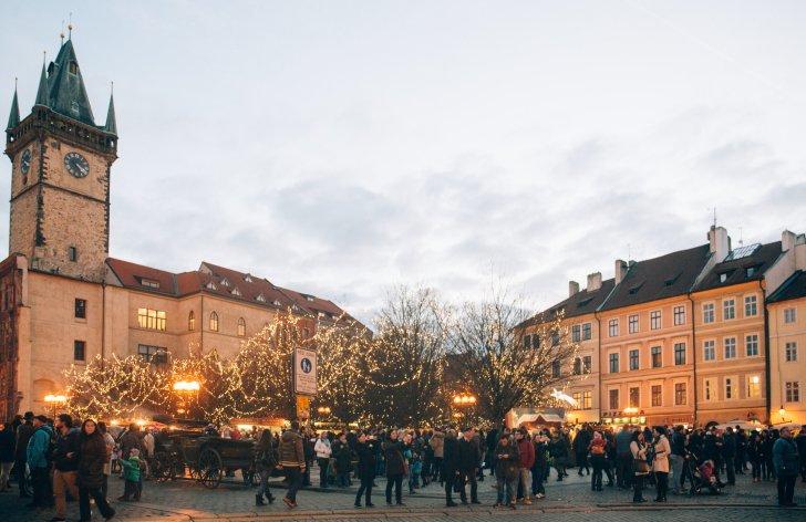vianočné trhy v prahe: kedy začínajú?