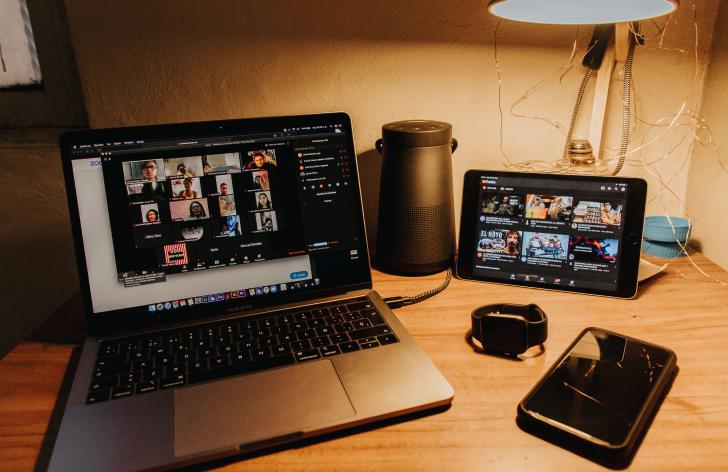 ako úspešne absolvovať pohovor cez videohovor?