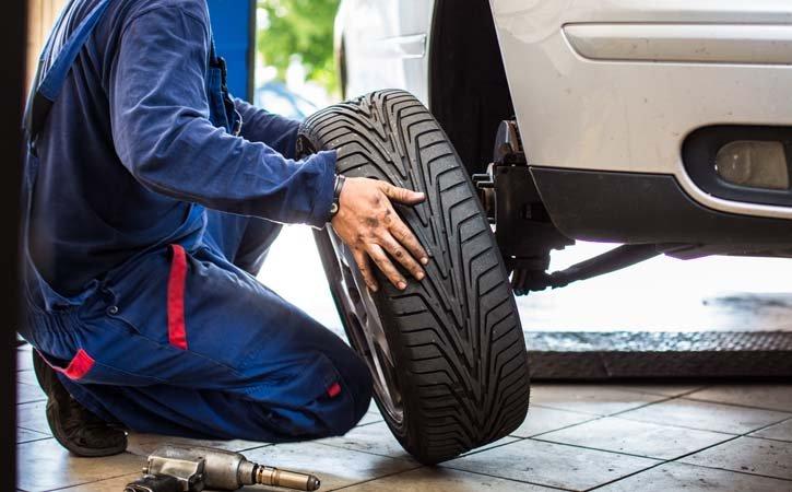 Hučia vaše letné pneumatiky? Poškodený podvozok vás môže vyjsť draho