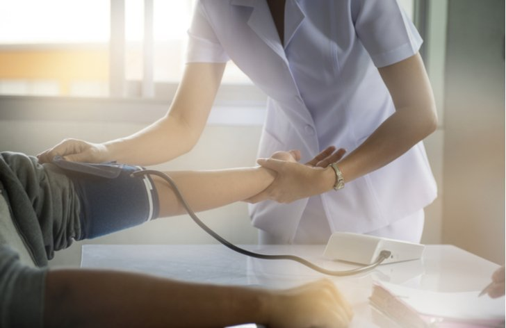 S pandémiou bojuje viac než 4 milióny zdravotných sestier v celej EU. Za koľko pracujú tie na Slovensku