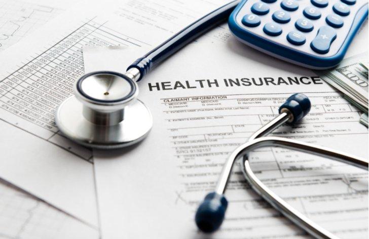 Jak si snížit měsíční zálohy na sociální a zdravotní pojištění